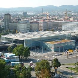Bahnhof_Wien_Praterstern_vom_Wiener_Riesenrad