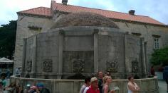 Duża fontanna Onofria